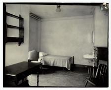 Men's Res Dorm Room